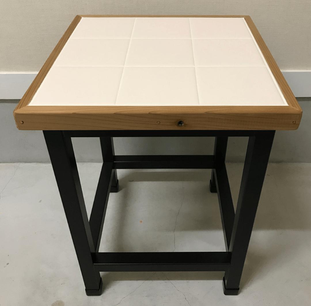 Tile side table|家具職人による完全ハンドメイドのインテリア・家具製作「BlueArch」(ブルーアーチ)